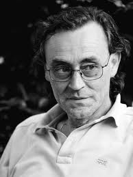 Andrea Vitali. Un serial writer da beghine.