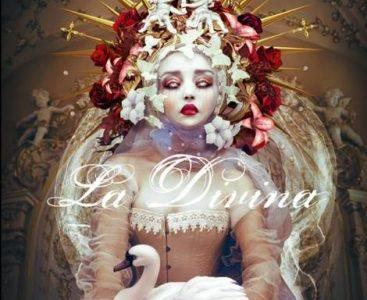 Isabella Santacroce, Divina, Desdemona editore