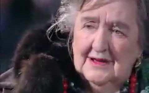 """Alda Merini, la saggezza della """"pazza della porta accanto"""""""