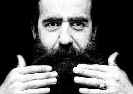 """""""L'artista è la pianta verde che cresce nel cemento"""". Mercedes Viola intervista Mahmoud Saleh Mohammadi"""