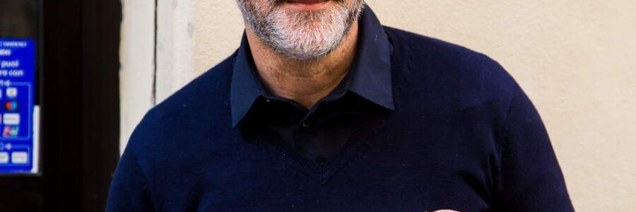 """Antonello Saiz racconta """"Isla Bonita. Amori, bugie e colpi di tacco"""" di Nicola Muscas"""